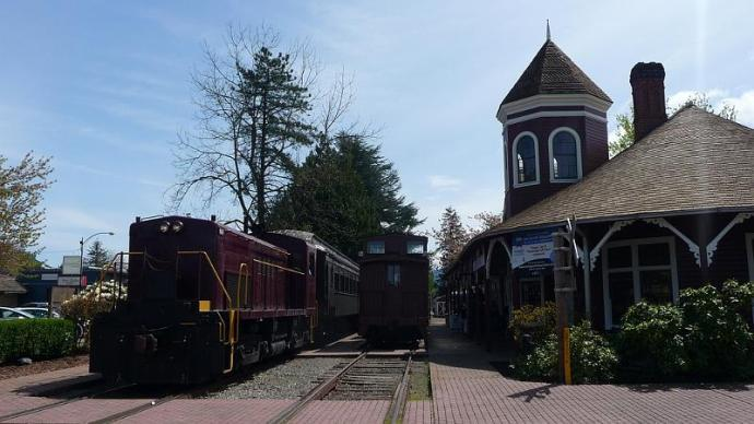 here's the snoqualmie train depot.