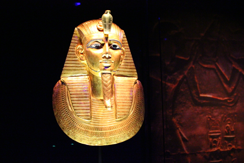 colossal statue king tut Bust from a colossal statue of akhenaten, one of a series depicting the king in   in focus - tutankhamun tomb may reveal resting place of queen nefertiti.